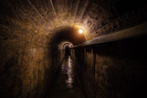 Schutzraum bauen - Eingang zum Bunker